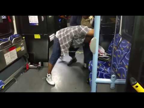 Bussikuski tylyttää erittäin humalaista asiakasta