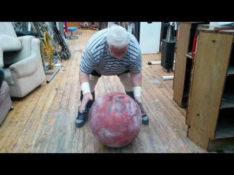Дикуль поднял камень 160 кг в 75 лет / Снимает видео Пискунов Вячеслав - DomaVideo.Ru