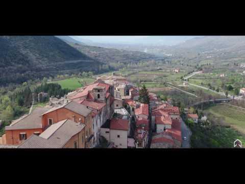 Abruzzo. In volo sul meraviglioso borgo di Pettorano sul Gizio