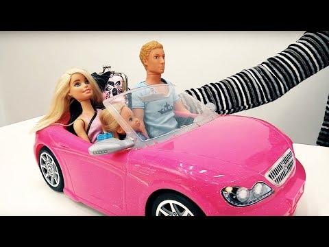 #Барби и Кен идут в аквапарк. Игры для девочек и видео для детей про #куклы. Мамы и дочки (видео)