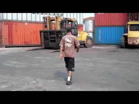 If you've ever worked on a forklift, this shit's ridiculous.