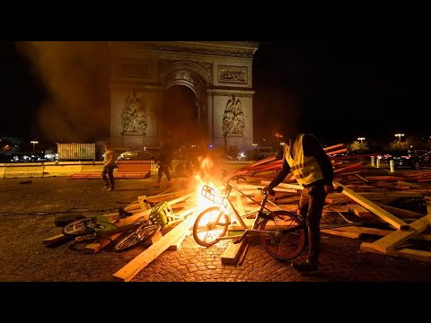 Frankreich: Bei Demo in Paris Tausende Demonstranten & Verletzte bei Krawallen