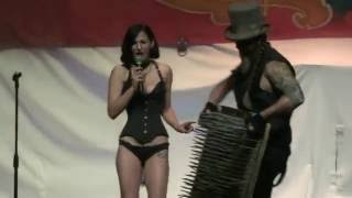 Video: Hellzapoppin Bed of Nails Act