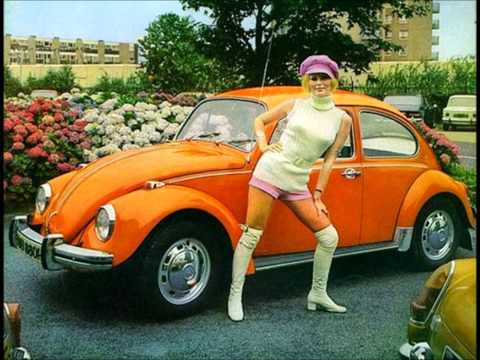The B-52's - Junebug lyrics