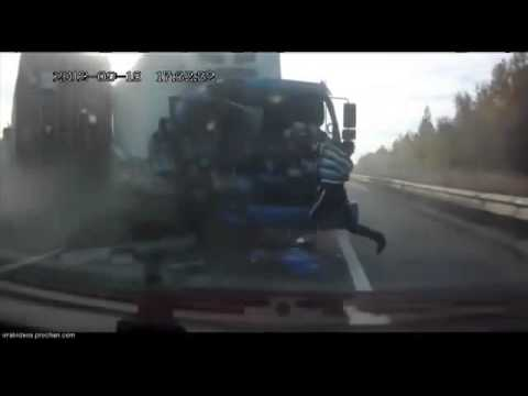 Accidente extremo: Hombre sale volando de camión