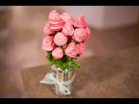 How to Make Edible Arrangements Strawberry Rose Bouquet (видео)