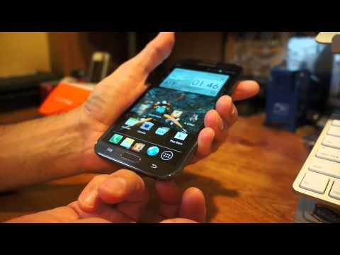 Samsung Galaxy Note II unboxing and short stylus use