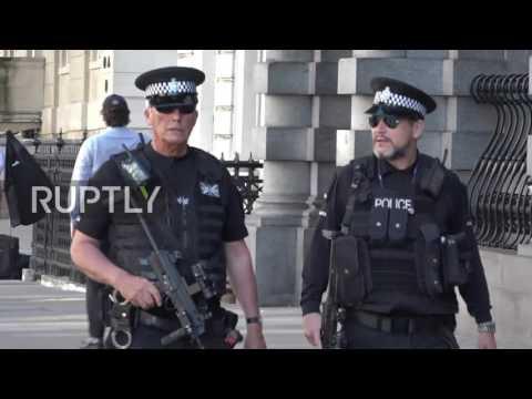 U Velikoj Britaniji pojačane mere bezbednosti tokom vikenda, policija uhapsila još dve osobe (VIDEO)