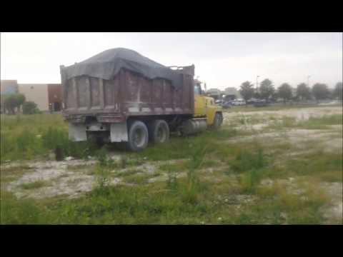 Old Ford Ltl9000 with 10