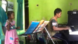 Video Ina nyanyi bunda (usia 8 th) MP3, 3GP, MP4, WEBM, AVI, FLV Desember 2018
