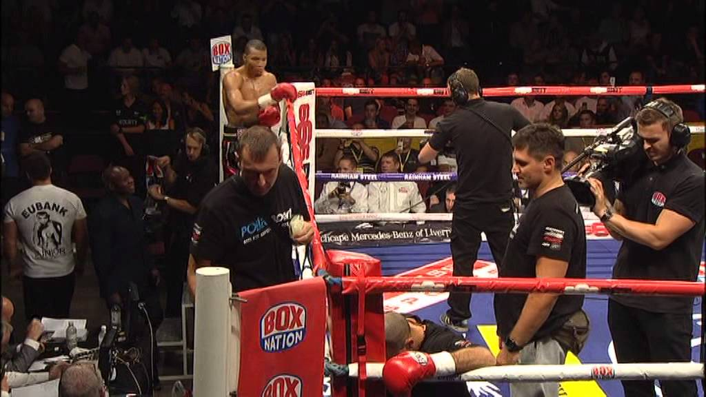 Chris Eubank Jr KO {16 Haymakers in 9 seconds}