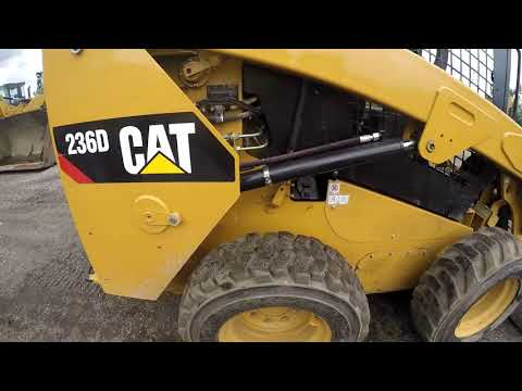 CATERPILLAR MINICARGADORAS 236D equipment video DN8MYVb8YN8