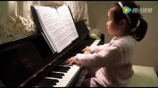 Video Anak kecil yang main piano MP3, 3GP, MP4, WEBM, AVI, FLV Januari 2018