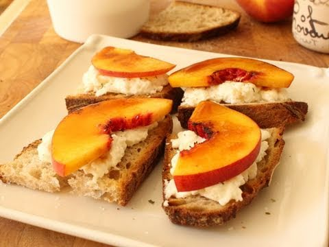 Friday's Recipe: Peach Brulee Burratta Bruschetta!