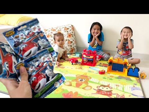 Surprise untuk Kenzo dan Zara | Mainan Anak Murah Edukatif | Super Wings Mini Free Wheels Blind Pack