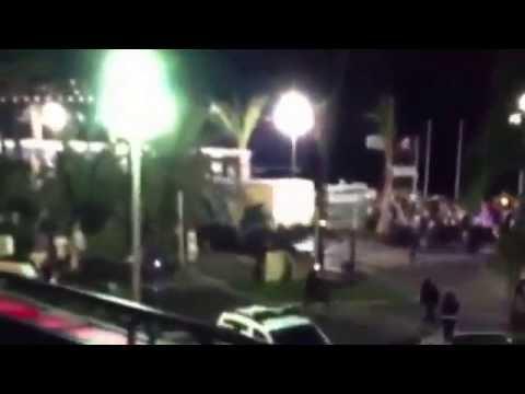 L'attentato di Nizza: 84 morti investiti da un camion