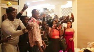Video L'Incroyable Anniversaire de Soumboulou chez Balla Gaye. MP3, 3GP, MP4, WEBM, AVI, FLV Oktober 2017