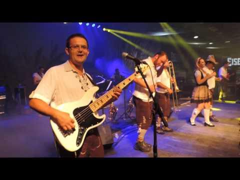 Vídeos da Sommerfest 2008 - A Oktober de Verão em Blumenau. Banda do Barril.