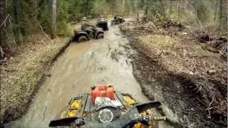 8. Can am outlander 650 mudding