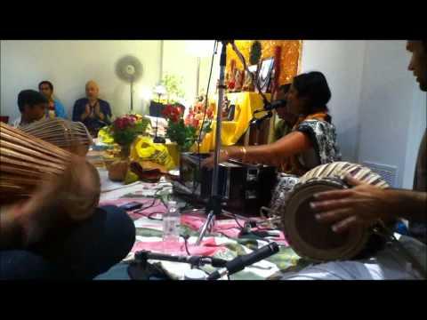 Video Ashtaprahar Nama Yagna-Pre-Festival Kirtan's-08,07,2011-3-Radharani Ke Charan Pyare Pyare-Gaura Mani download in MP3, 3GP, MP4, WEBM, AVI, FLV January 2017