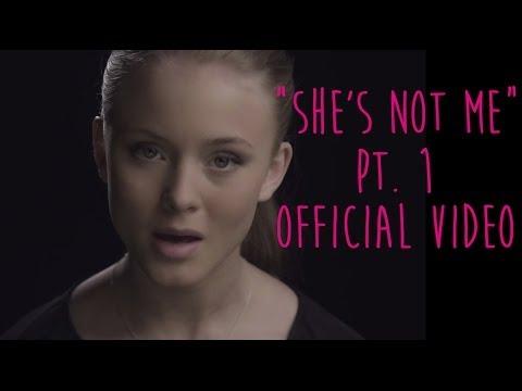 Tekst piosenki Zara Larsson - She's Not Me po polsku