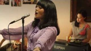 Video Kisah Dari Selatan Jakarta - White Shoes & The Couples Company MP3, 3GP, MP4, WEBM, AVI, FLV Februari 2018