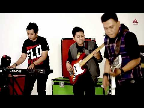 Video Dadali - Menjadi Pangeranmu (Official Music Video With Lyrics) download in MP3, 3GP, MP4, WEBM, AVI, FLV February 2017