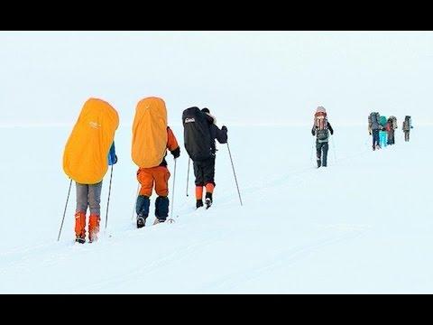 48 лыжников из Великого Новгорода совершили традиционный переход через озеро Ильмень