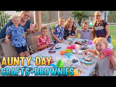 Aunt Day FUN! Crafts and Brownie Decorating!