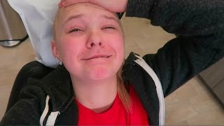 GETTING MY TOOTH PULLED! Vlogmas Day 15