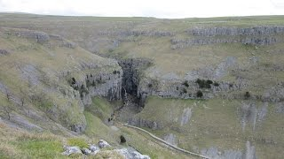 Malham United Kingdom  city photo : Malham Cove Walk, Yorkshire Dales Walks In North Yorkshire, England, UK
