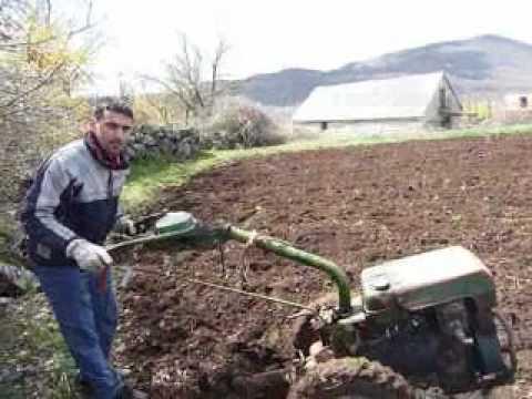 Frezanje - Poljoprivredna mafija u Broćancu, Znanje imanje, 3. aprila 2010., dan uoči Uskrsa.
