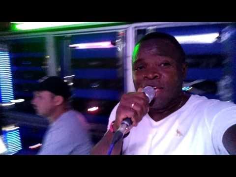 DJ ROBINHO JAMAICA AGITANDO NA MUSICAL TORNADO NO REVEILLON EM CUTIAS SEGUNDO MATINHA MA