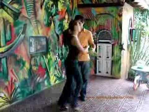 Como aprender a bailar salsa-casino paso a paso