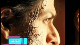 Shahrukh tattoos his face