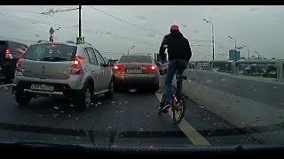 Автомобилист избил монтировкой велосипедиста в Москве