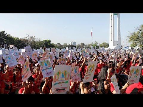 العرب اليوم - آلاف الطلاب الفلبينيين فى أضخم درس فني بالعالم