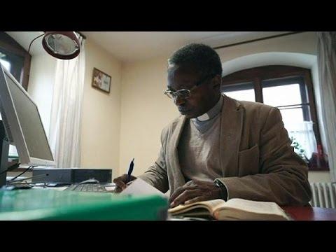 Γερμανία: Παραίτηση μαύρου ιερέα μετά από απειλές για την ζωή του