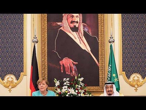 Χωρίς μαντήλα στη Σαουδική Αραβία η Άνγκελα Μέρκελ