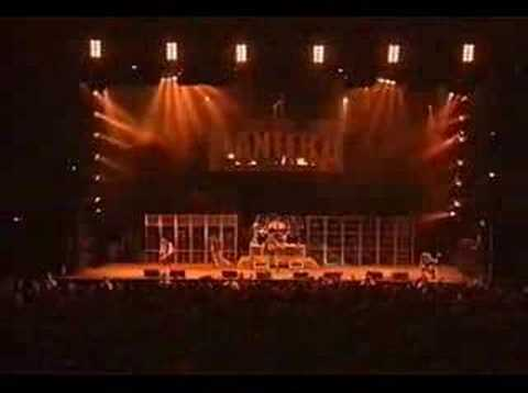Pantera - Cowboys From Hell (Live @ Ozzfest 2000)
