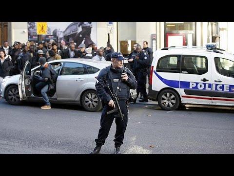 Γαλλία: Μυστήριο η ταυτότητα του δράστη της παρ'ολίγον επίθεσης στο Παρίσι