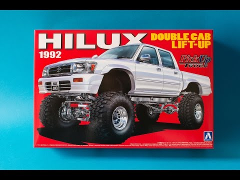Aoshima 1/24 Toyota Hilux Lift Up Model Kit Unboxing And Review