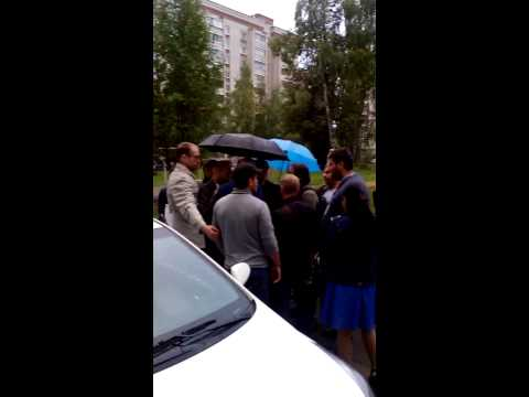 Нападение провокатора на встрече с Навальным в Костроме 05.09.15 (видео)
