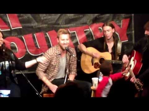 Behind the scenes at the Lady Antebellum show in studio!