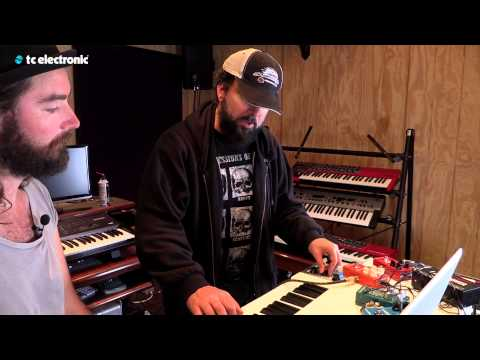 "In this video Derek Sherinian uses his ""Choir Vibrato"" TonePrint for the Shaker Vibrato pedal from TC Electronic.  TonePrint page: http://www.tcelectronic.com/toneprint/ Shaker Vibrato product page: http://www.tcelectronic.com/shaker-vibrato/"