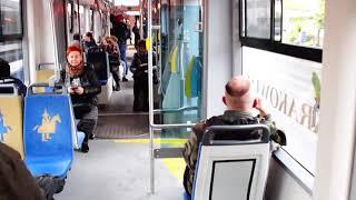 Palacz w tramwaju – cham i prostak