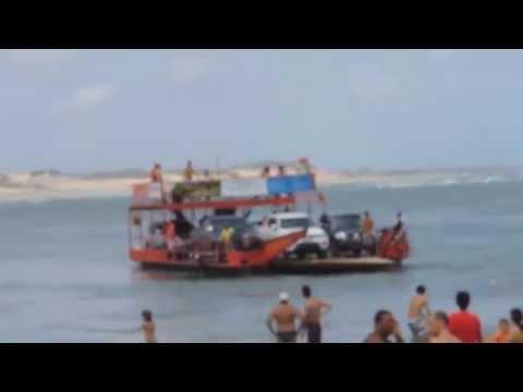 Lagoa Guarairas Tibau do sul. Balsa com dificuldade para atracar
