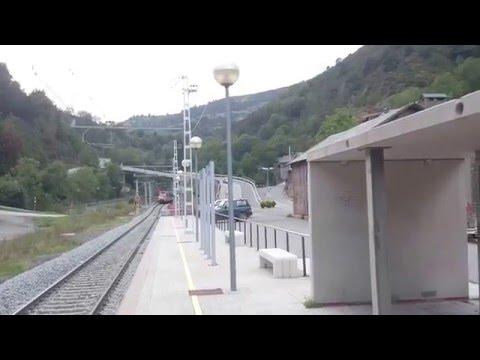 Salida tren Cercanías en Toses (Girona)