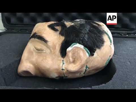 FBI unveils replica heads from Alcatraz escape
