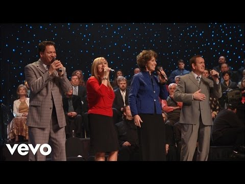 Bill & Gloria Gaither – Yahweh [Live] ft. The Hoppers